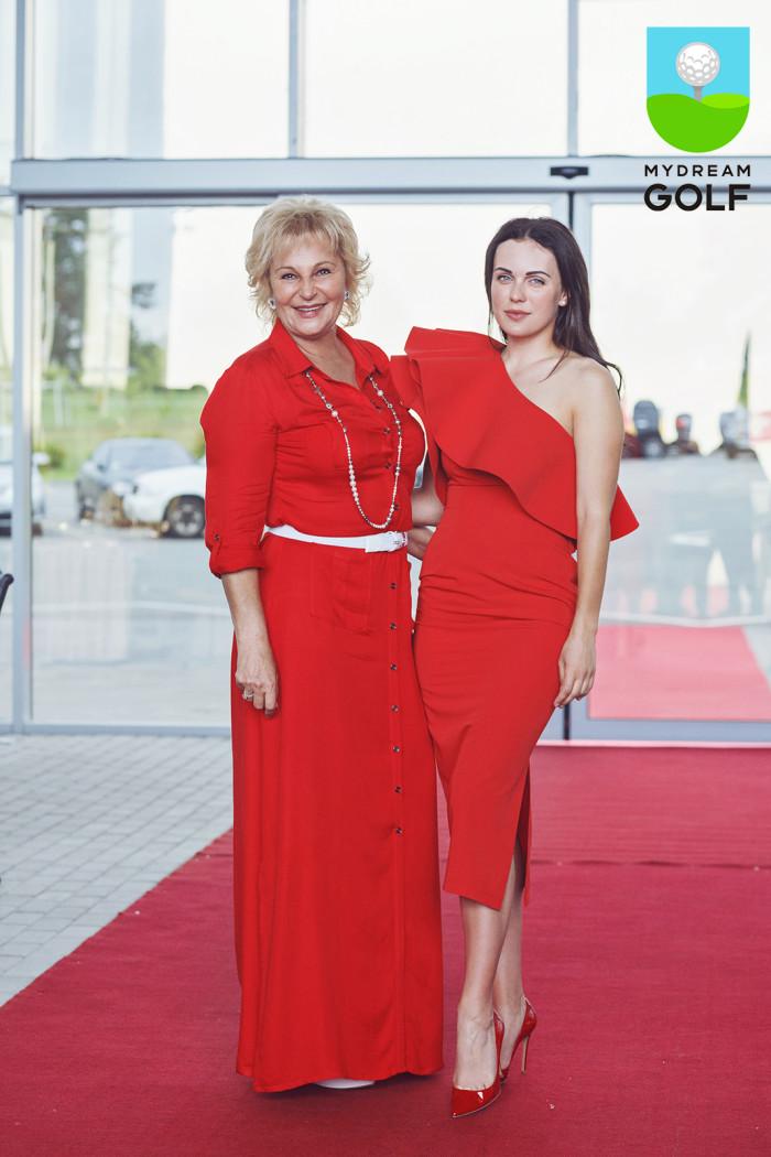 Лариса Непочатова и Мария Орлова