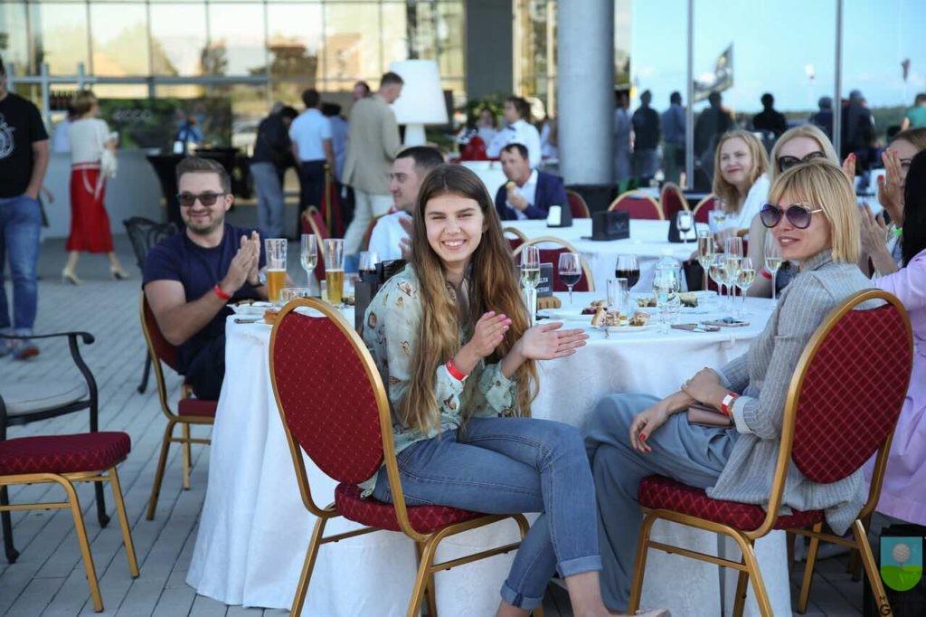Евгений Кондаков, Екатерина и Татьяна Гребельникова