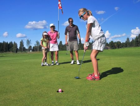 День в стиле гольф для всей семьи