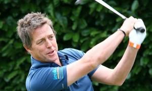 Хью Грант практикуется в гольф в Марбелье