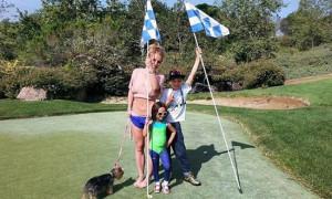 Бритни Спирс учится играть в гольф
