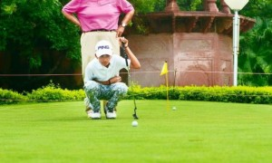 В Индии 11-й мальчик удивил страну игрой в гольф