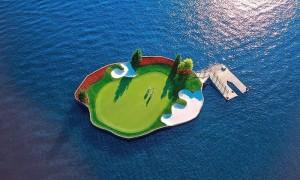 Плавающее поле для гольфа на курорте Coeur d'Alene Resort